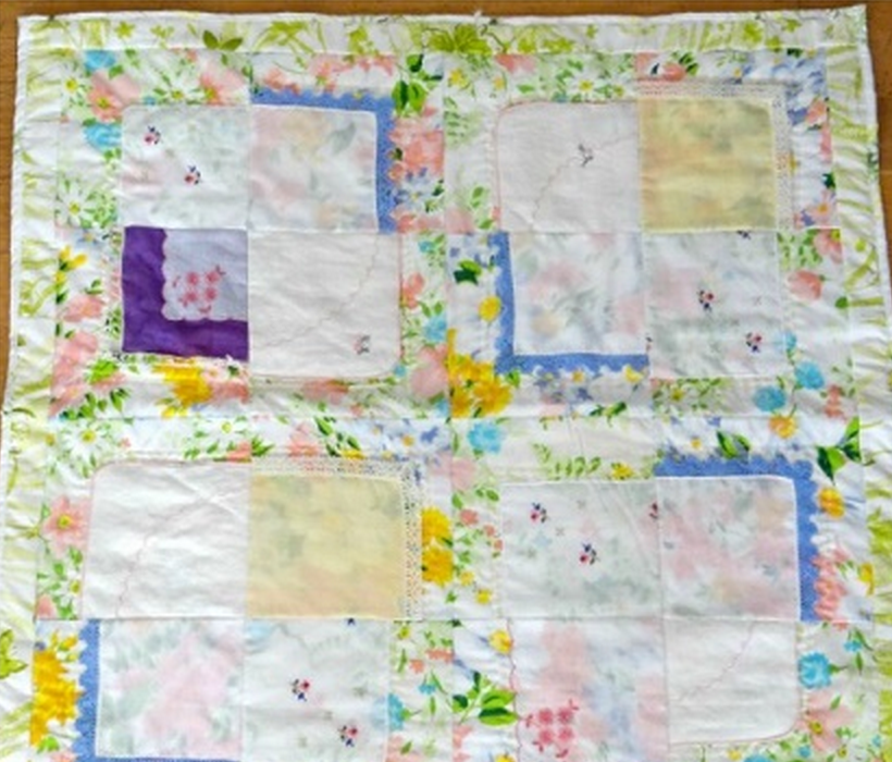 Vintage Baby Quilt Patterns Free : Vintage Hankies Baby Quilt Pattern