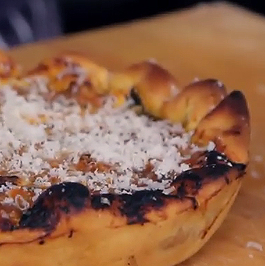 How to make amazing (and easy) Chicago Style deep dish pizza