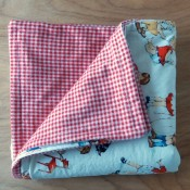 two-fabric-baby-quilt-tutorial-super-cute-and-simple-to-sew-in-one-day