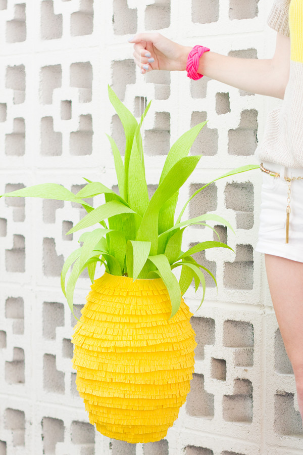 Pineapple-Pinata-DIY-600x900