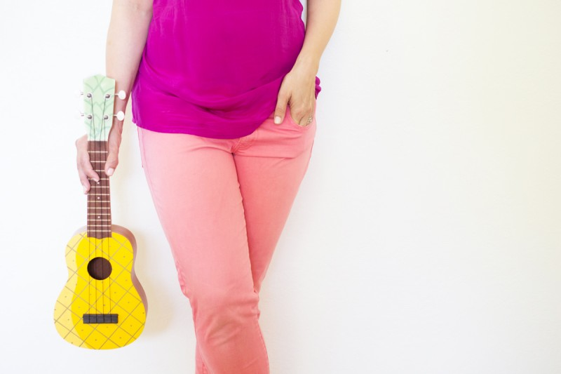 diy-pineapple-ukulele2-800x533