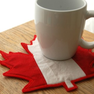 Easy Maple Leaf Mug Rug