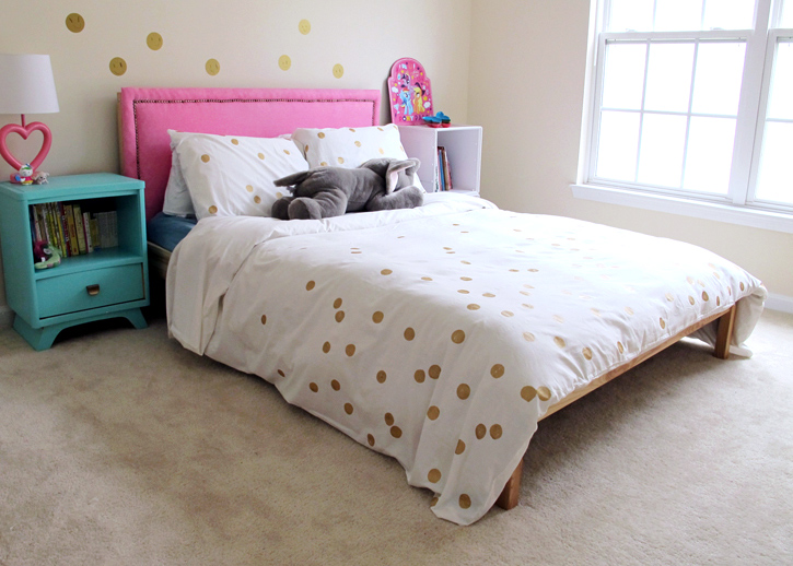 Make this gorgeous (and easy) duvet cover!