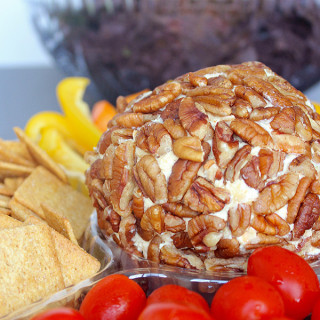 Holiday Cheeseball