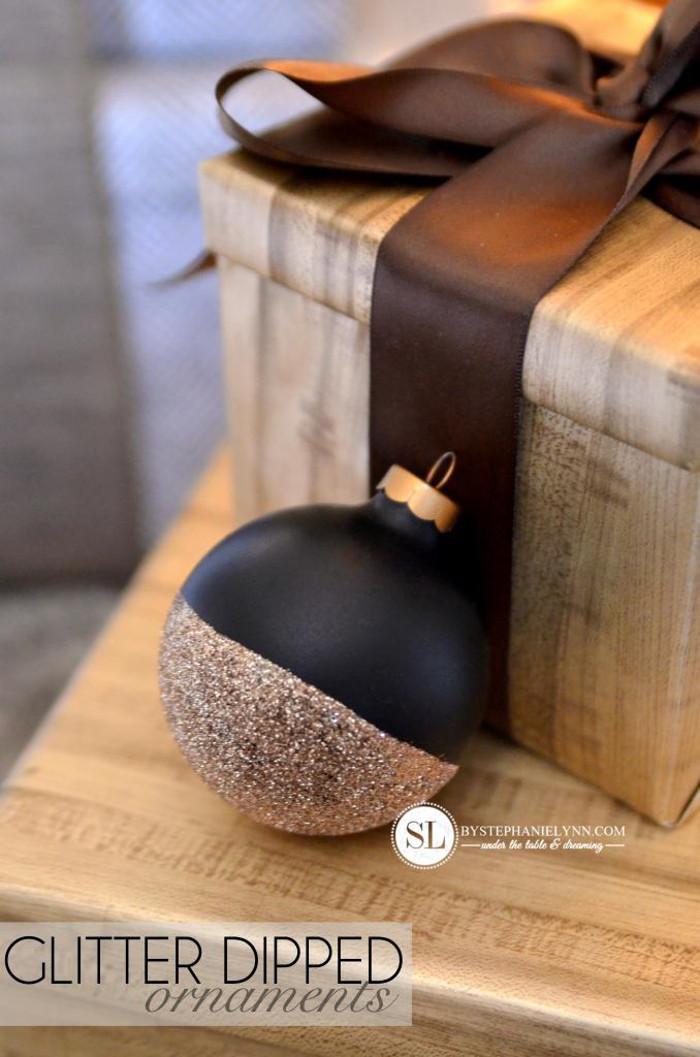 DIY Glitter Dipped Ornament