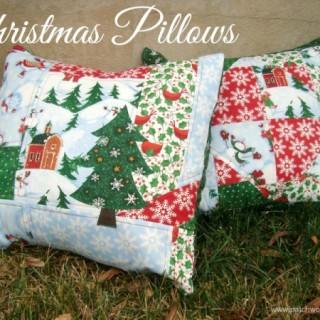 2 Quick and Simple Christmas Pillows