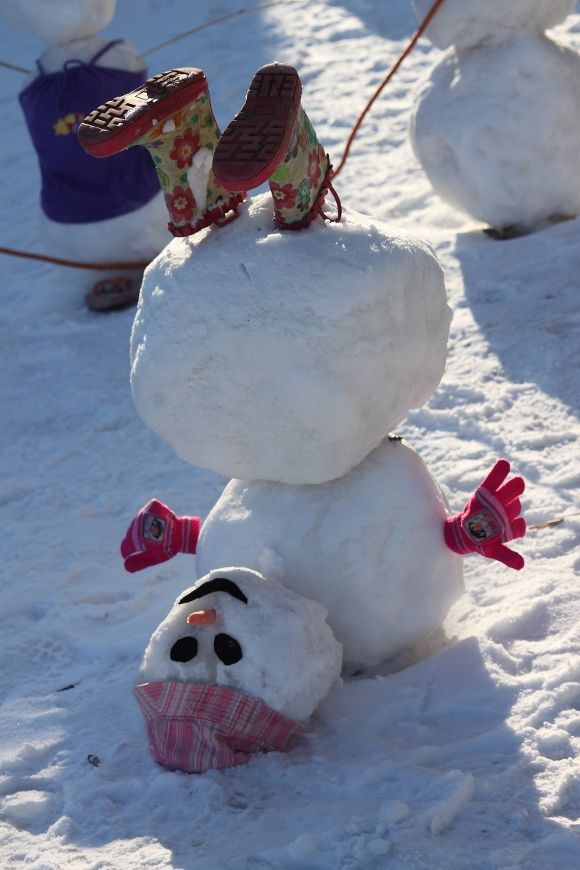 Clever Ways To Build A Snowman