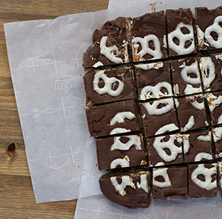 5 Minute Pretzel Fudge For Movie Night