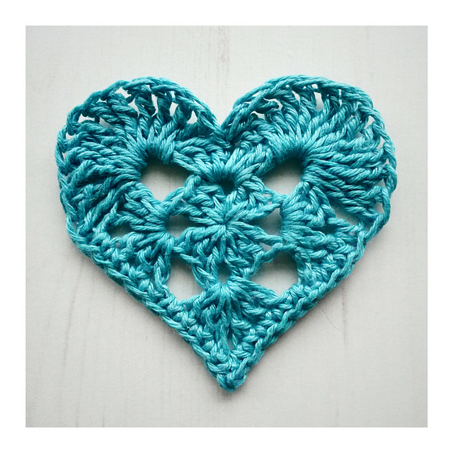 granny crochet heart pattern