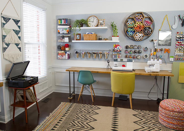 ... creative home office - craft room - sewing room - AndreasNotebook.com