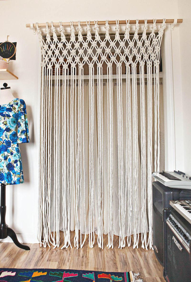 DIY Macrame Curtain Tutorial and other amazing macrame projects!