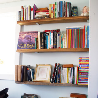 How to build easy reclaimed barn wood bookshelves!