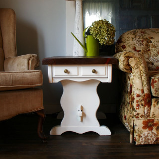Two end tables get a sweet country makeover!