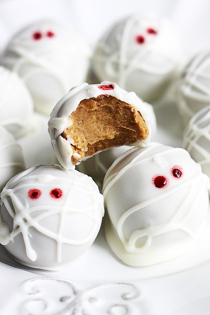 Pumpkin cheesecake truffles - mummy truffles
