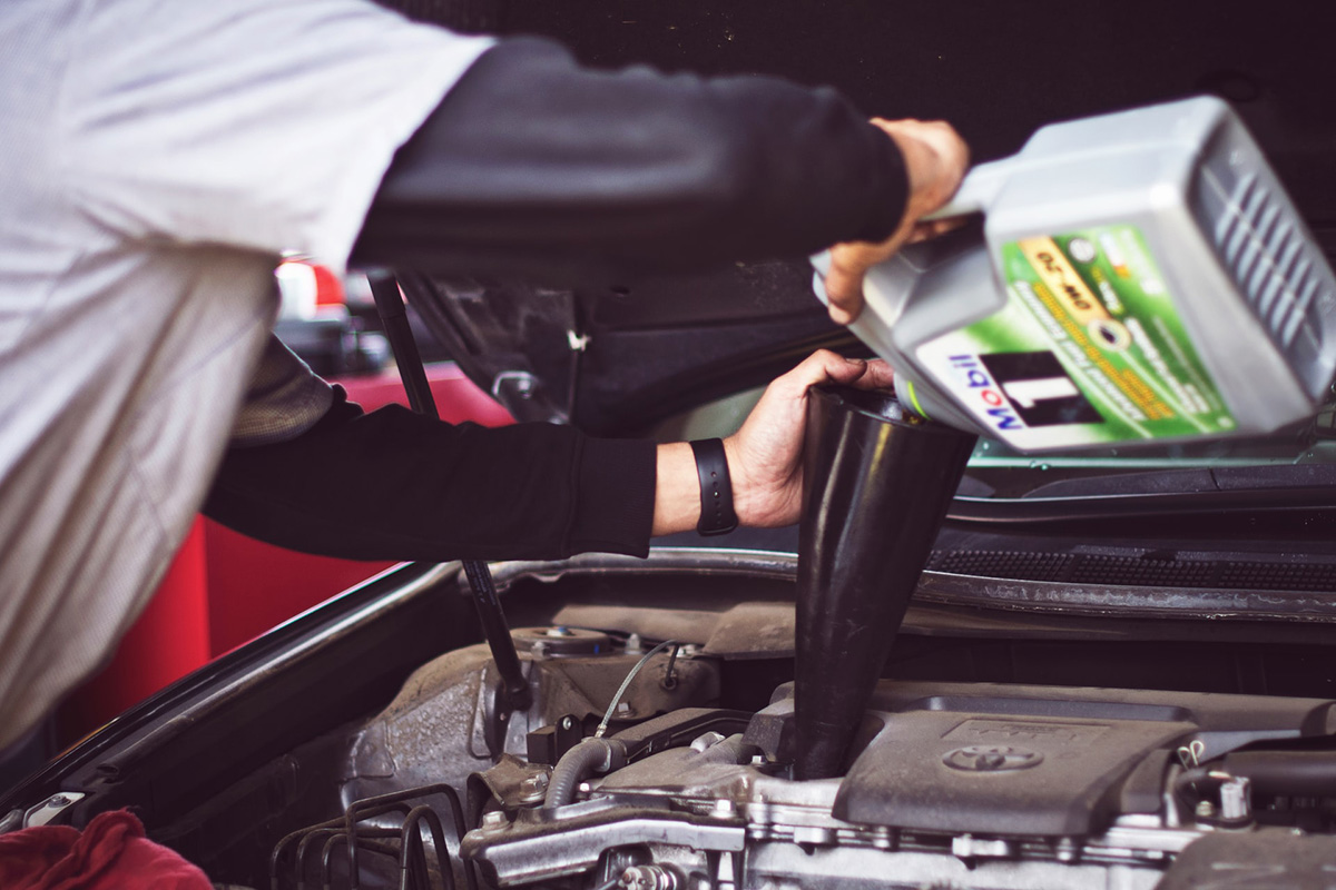 oil car engine