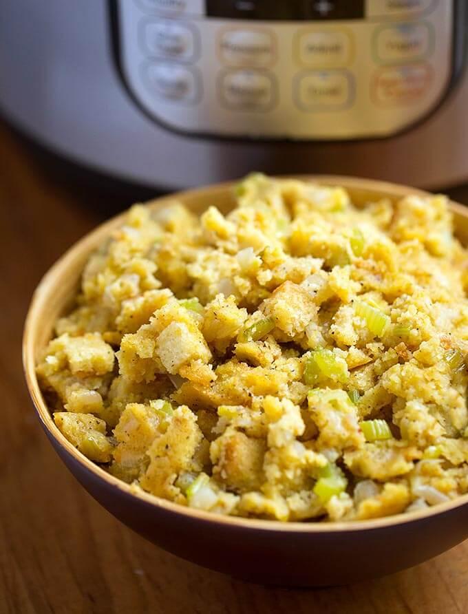 instant pot cornbread stuffing bowl